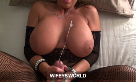 WifeysWorld: Only $9.95 for a 30-day Pass!