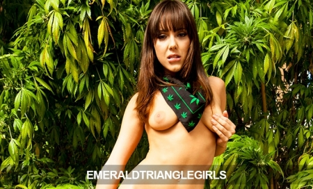 Only $4.20 for 30days of EmeraldTriangleGirls
